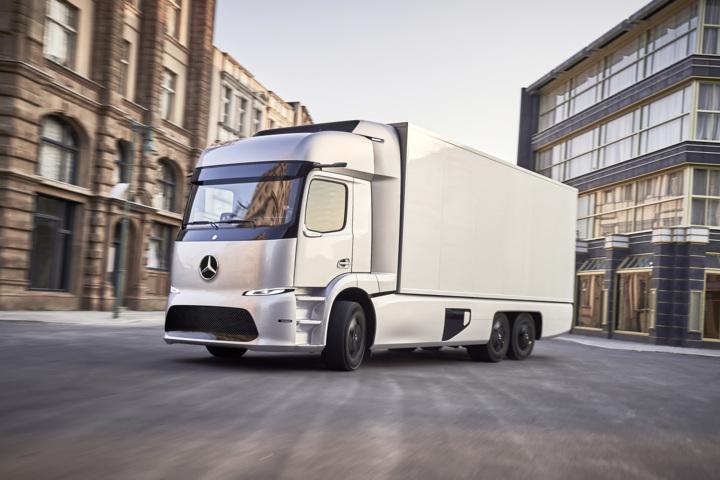 """Mercedes-Benz eTruck erhält den """"Europäischen Transportpreis für Nachhaltigkeit 2018"""""""