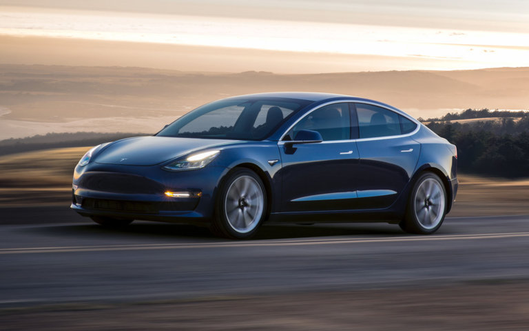 Tesla Model 3 wird ein Dual-Motor-System erhalten