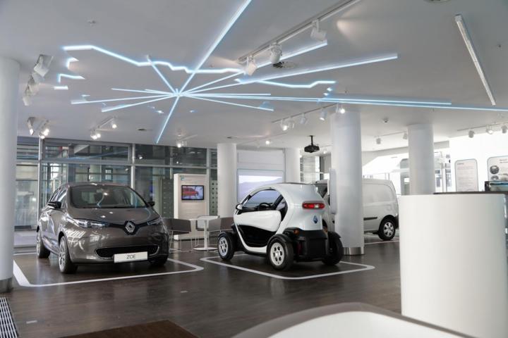 Renault eröffnet Electric Vehicle Experience Center in Berlin