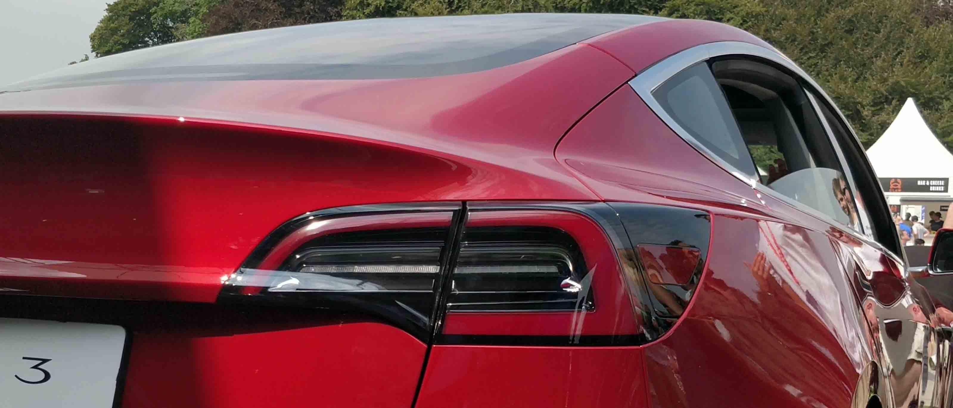 Preischeck — Tesla Model 3 günstiger als eine Mercedes-Benz C-Klasse