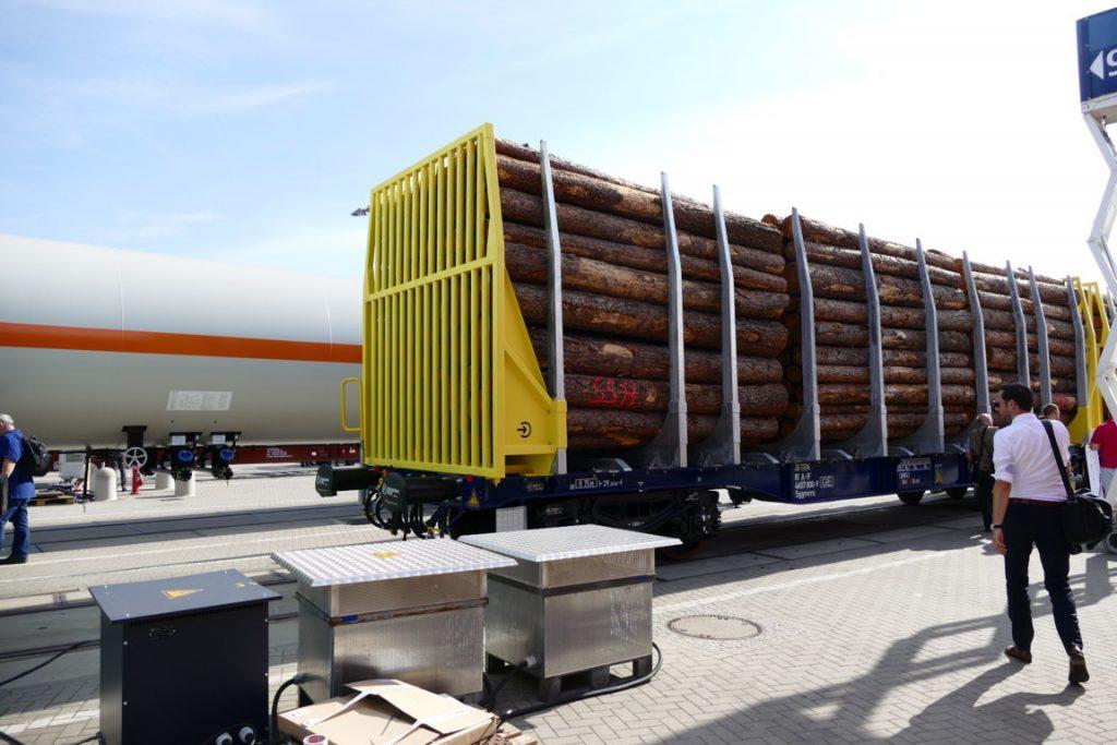 Flachwagen zum Holztransport