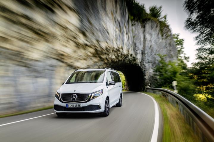 Mercedes-Benz EQV – Großraumlimousine mit 110 kW Ladeleistung